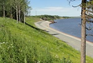 Укрепление берега п.Локосово Сургутского района Генеральный подрядчик: ООО «Трест Запсибгидрострой» Сроки строительства: 2010 год